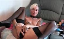 Blonde babe filled both hole on webcam