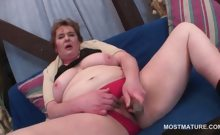 Nasty mature tramp fucking her horny snatch with dildo