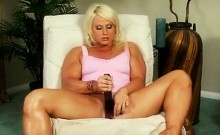 Muscle Lady Performs With Clit That Is Large 3
