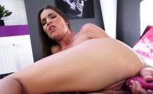 Pissing Babe Masturbates