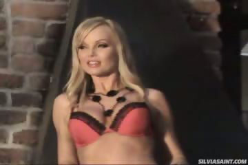 Free Mobile Porn Hot Photoshoot Of Silvia Saint Behind The