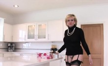 Unfaithful english milf lady sonia shows off her large tits