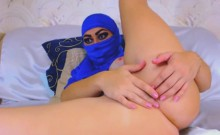Muslim Girl Squirts And Fucks Her Arabian Butt