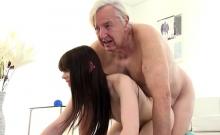 Teen Luna Rival Screws Old Guy For Some Cash